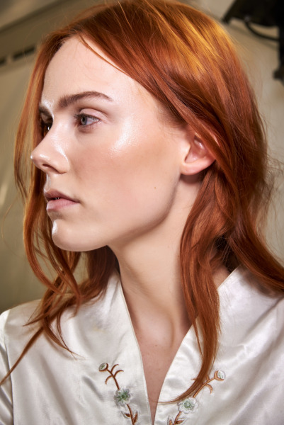 cream-highlighter-skin-makeup
