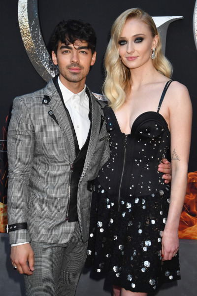 joe-jonas-sophie-turner-red-carpet