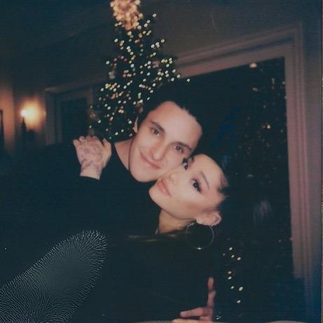 Ariana Grande, Dalton Gomez, Evililik